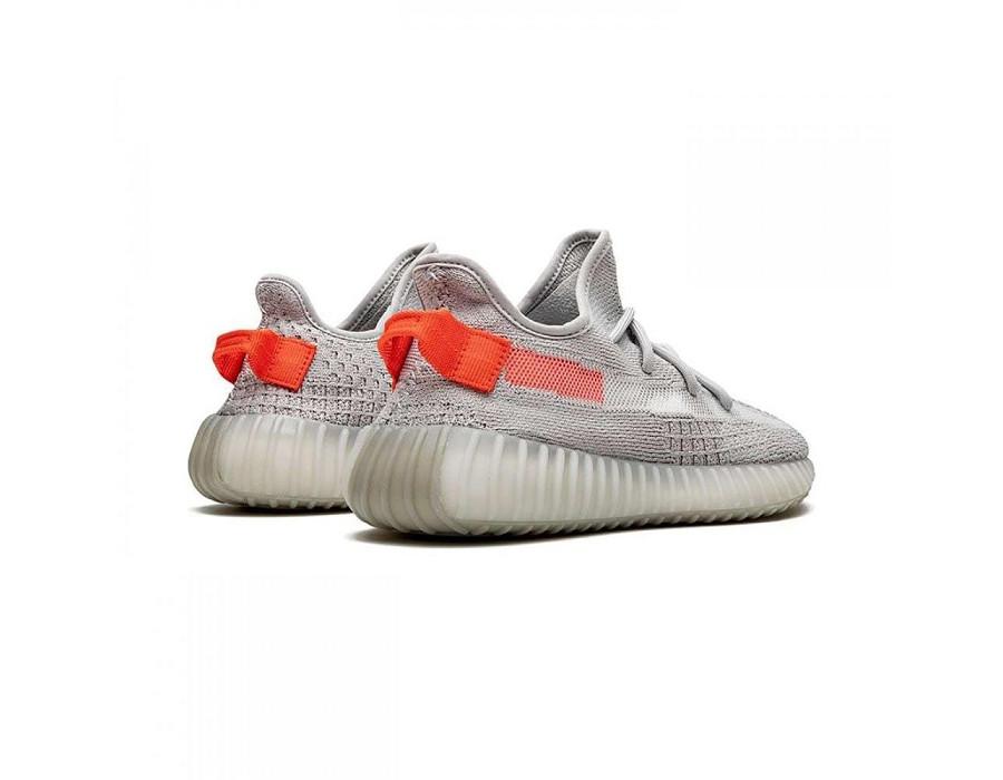 Женские кеды Adidas Yeezy Boost 350 V2 Tail Light серо-оранжевый