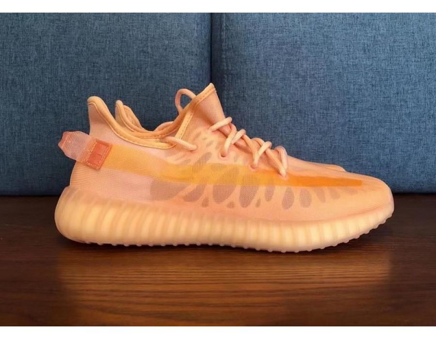 Женские кроссовки Adidas Yeezy Boost 350 V2 Mono Clay оранжевые