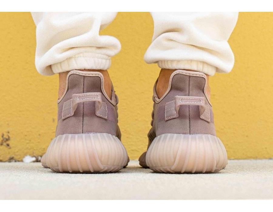 Женские кроссовки Adidas Yeezy Boost 350 V2 Mono Mist коричневые