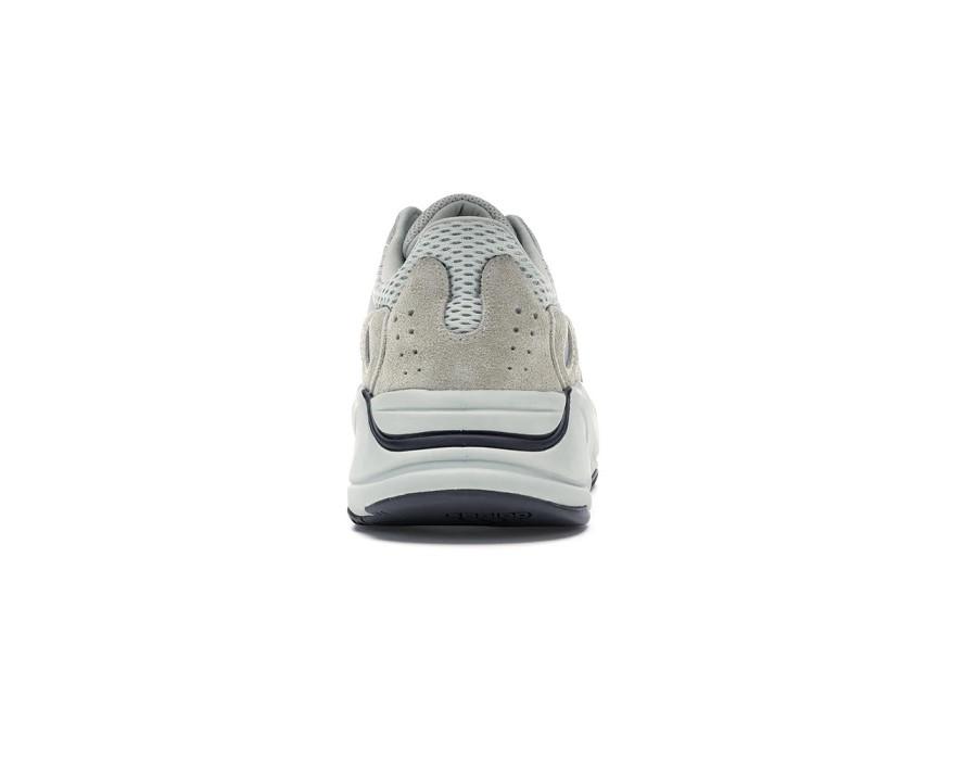 Женские кроссовки Adidas Yeezy Boost 700 Salt бежевые