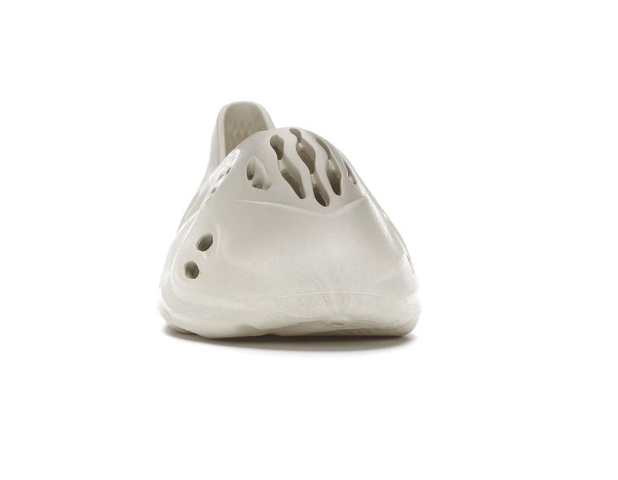 Мужские кроссовки Yeezy Boost Foam Runner Sand бежевые