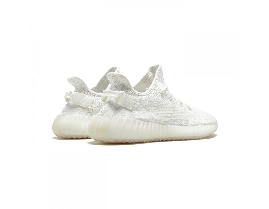 Женские кроссовки Adidas Yeezy Boost 350 V2 Triple White белые