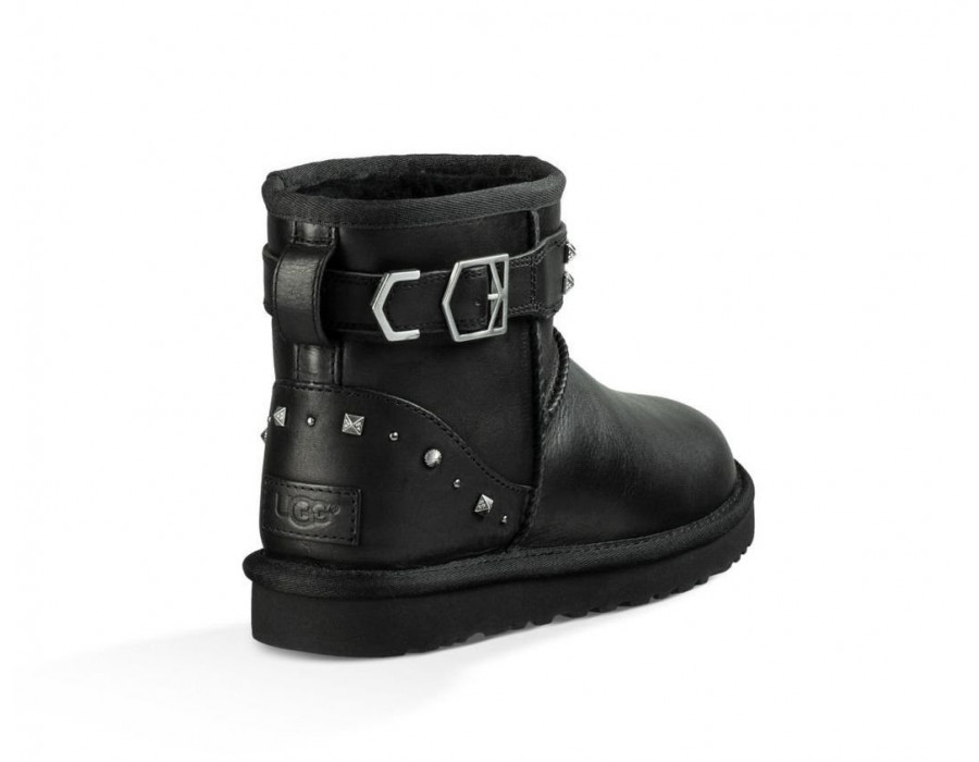 Neva Deco Studs Black