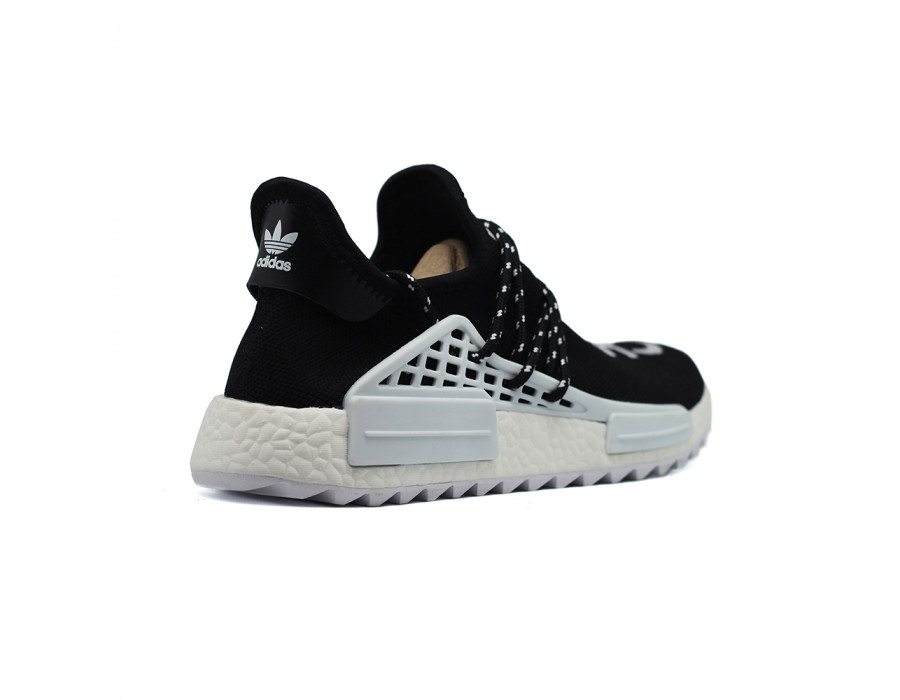 Купить Кроссовки мужские Adidas x Pharell Human Race NMD Chanel Pharell за 5490 рублей!